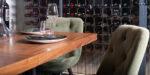 Stolice i Masa od furniran orev za restoran
