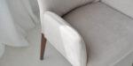 dining chair with armrest in cream velvet and oak legs