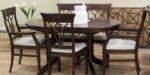 ttrpezariska stolica so drven naslon kadifeno sedlo