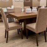 tradicionalna tapacirana trpezariska stolica